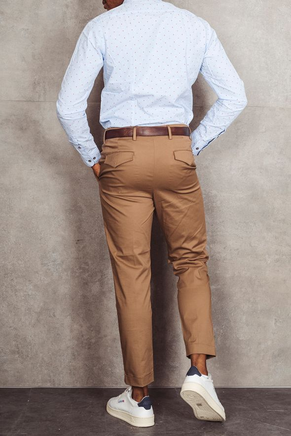 OUT/FIT Pantalone doppia pince tabacco