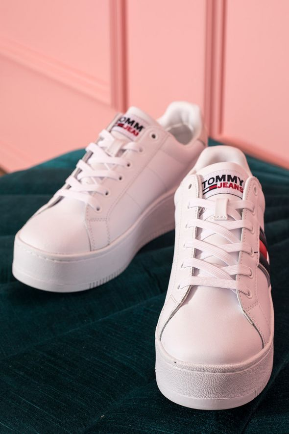 Tommy Hilfigher Sneakers cangianti con suola alta